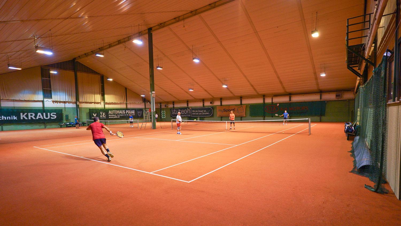 Tennis_Halle_3